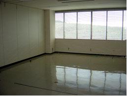 大村インキュベーションルーム室内